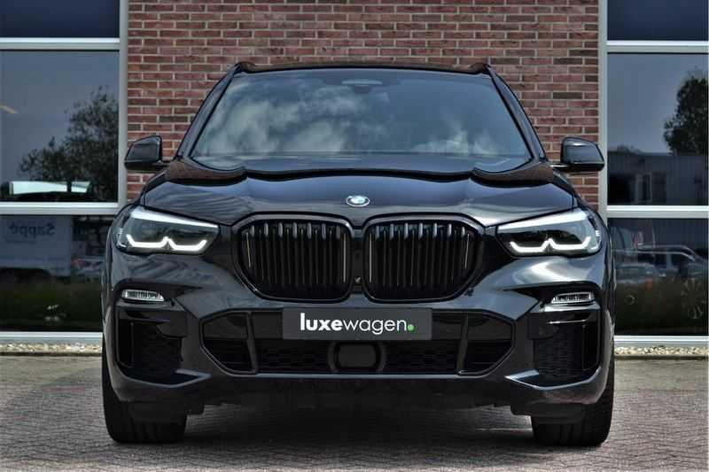 "BMW X5 M50d 400pk Skylounge Luchtv DA+ PA+ Trekh NL-auto 22"" Comfortzetels afbeelding 9"