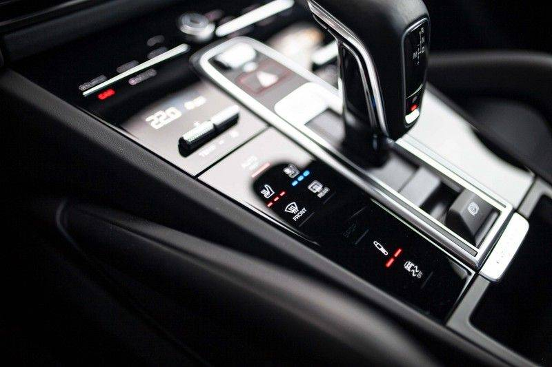 Porsche Cayenne 2.9 S Coupé *BOSE / Sportdesign / 4 Wielbesturing / Memory / Sport Chrono / HUD* afbeelding 21