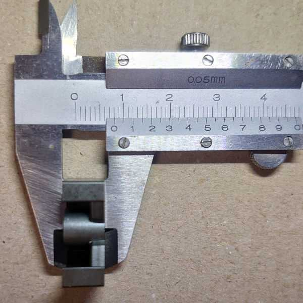 2D=16.2mmだから8.10mm(実測値)