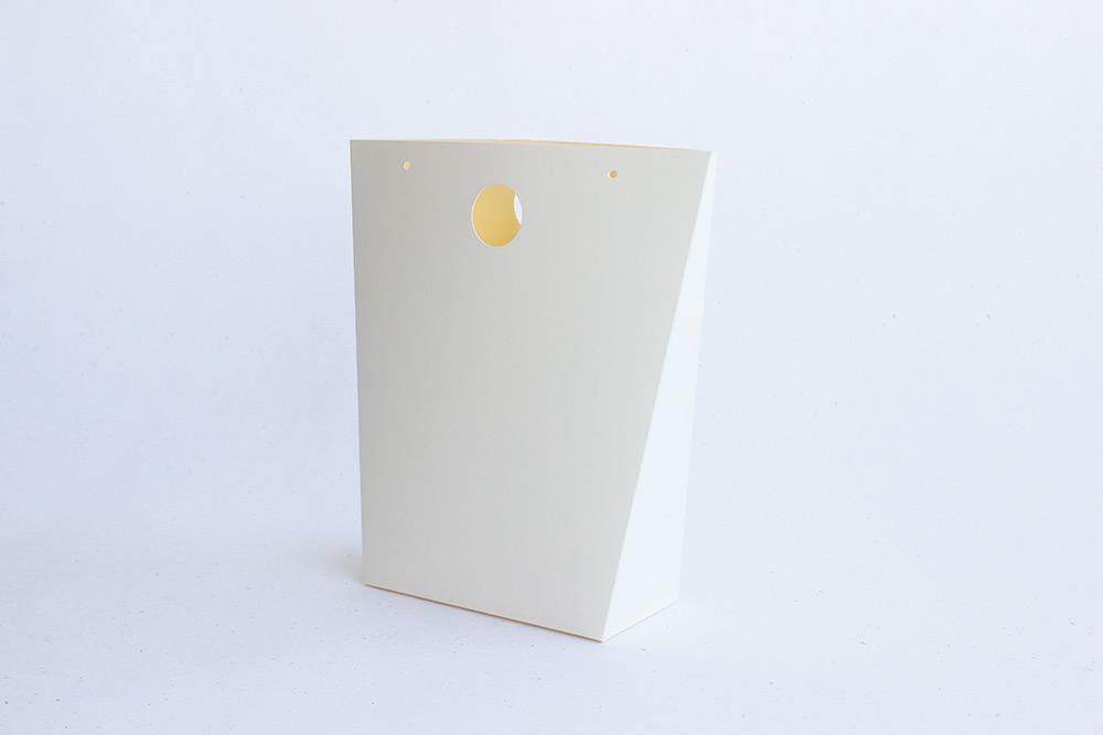 Originální dárková taška z papíru pro menší dárky
