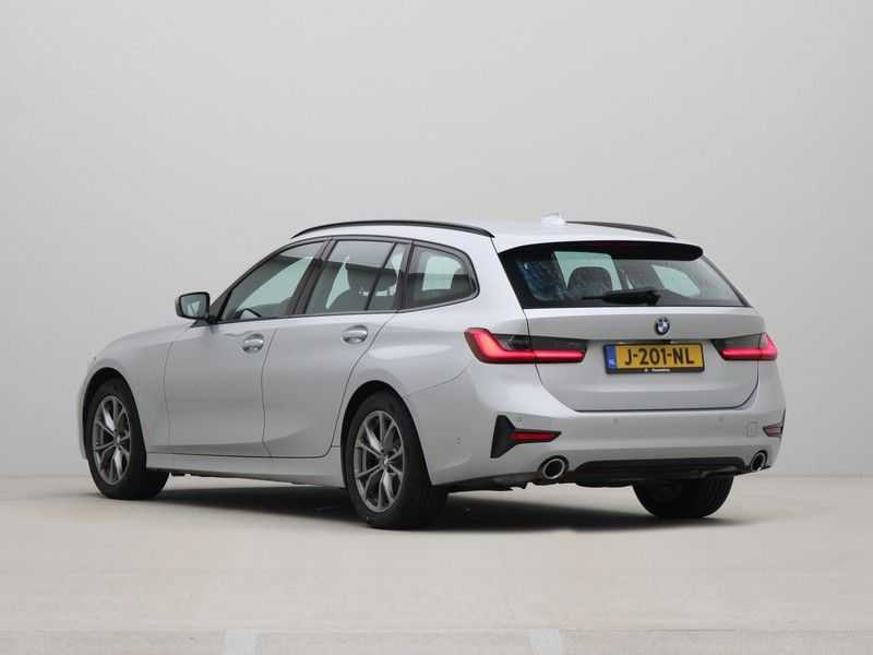 BMW 3 Serie Touring 318i High Executive Sport Line Automaat afbeelding 12