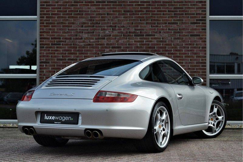 Porsche 911 Coupé 3.8 Carrera S 997 - dealer o/h - unieke kms afbeelding 2