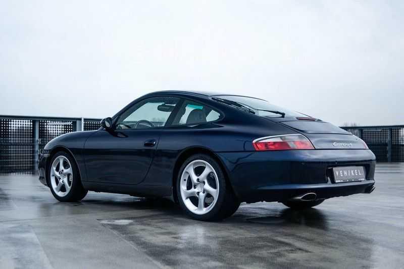 Porsche 911 3.6 Coupé Carrera 4 // Nachtblau // Mint condition afbeelding 9