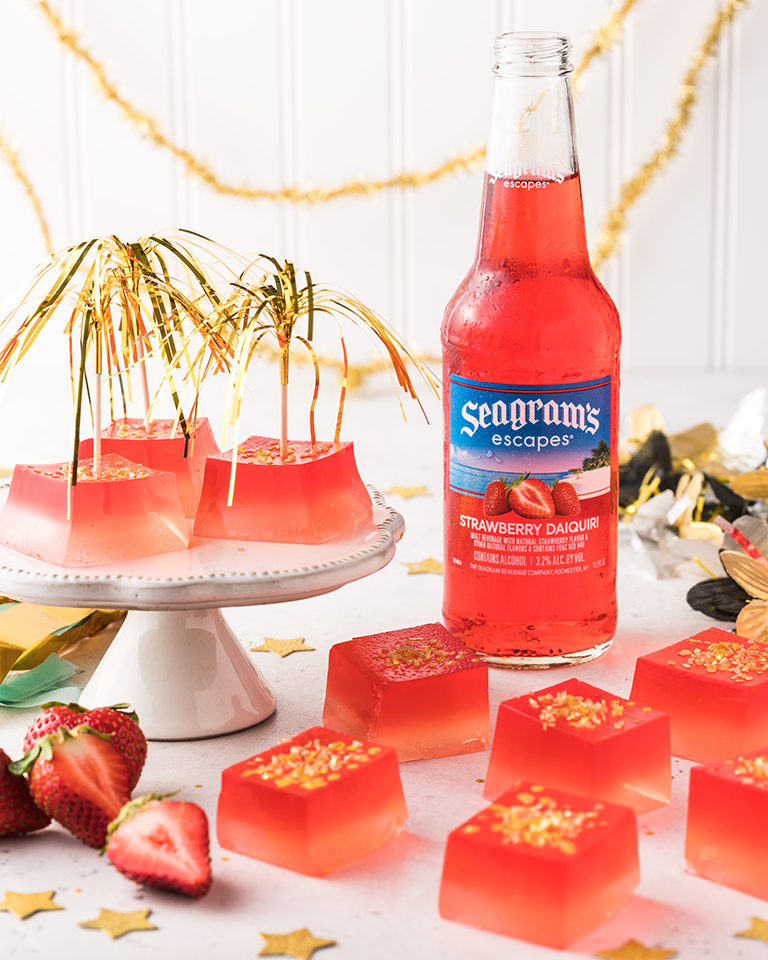 Sparkling Strawberry Jelly Shots Recipe Image