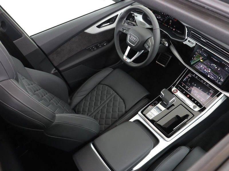 Audi Q7 4.0 TFSI SQ7 quattro 7p 507PK | S-Line | Pano.Dak | 360 Camera | B&O Sound | Keyless-Entry | S-Sportstoelen | Assistentie Tour-City-Parking | 7 Persoons afbeelding 4
