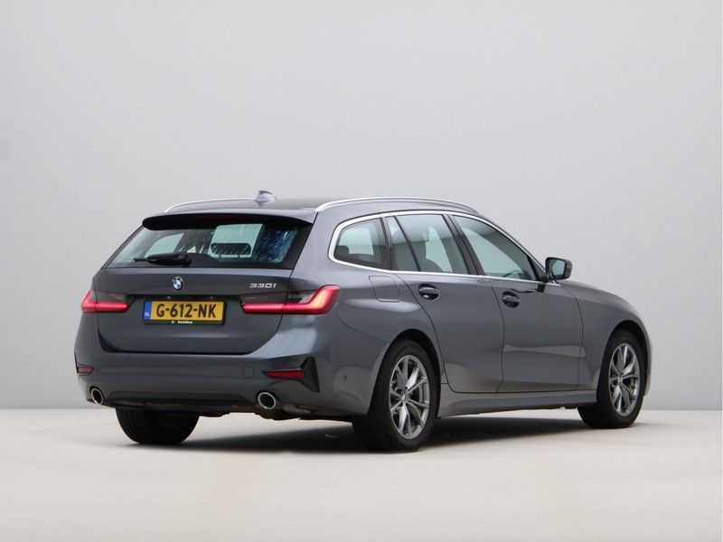 BMW 3 Serie Touring 330i Executive Edition afbeelding 3