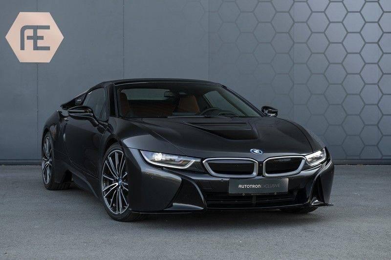BMW i8 Roadster Dry Carbon, Carbon interieur afwerking, Accaro fijn nappa leder, Progressive package , Laser LED Koplampen afbeelding 9