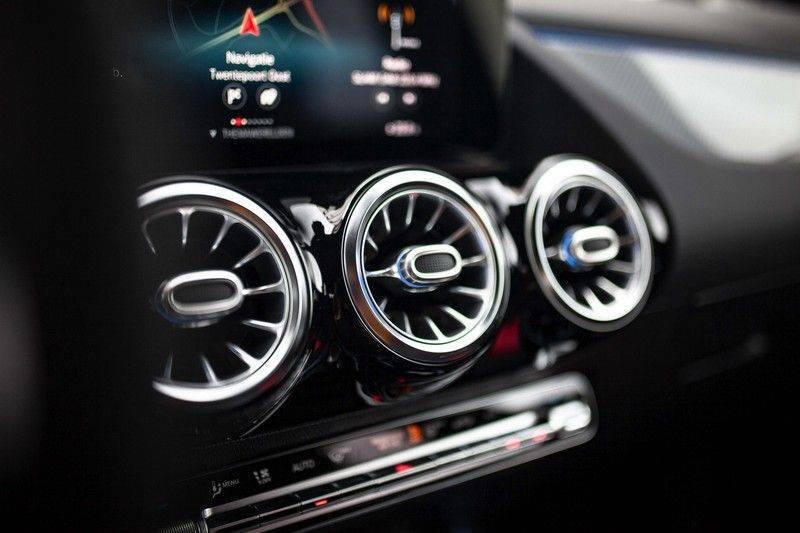 Mercedes-Benz GLA 200 AMG Line *Pano / HUD / Memorystoelen / 360 Cam / Burmester* afbeelding 18