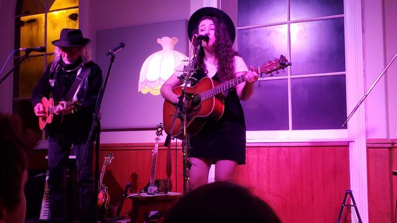 Jenny Mitchell at the Dunedin Folk Club