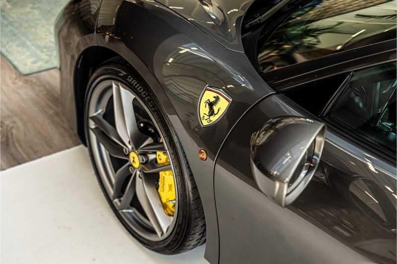 Ferrari 488 3.9 GTB HELE | Carbon | Passenger Display | Lifting | NP350.000,- afbeelding 5