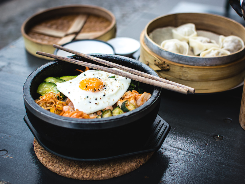 Korean bibimbap with egg and vegetables